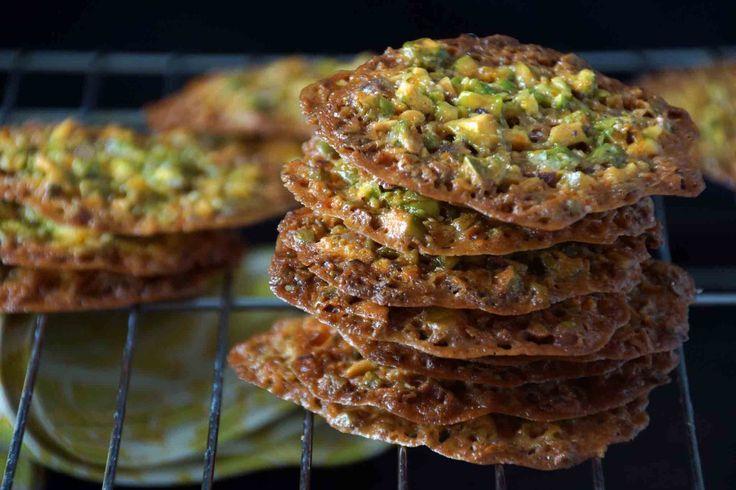 Pistachio, Honey & Orange Florentine Cookies. ☀CQ #sweets #treats