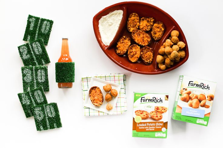 You still have time to add a flavorful touch to your football spread: DIY Football Astroturf Yard Line Coasters and tasty snacks! #GameDaySnackHacks