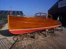 1934 mahogany motor yacht, designed by Ruben Ostlund