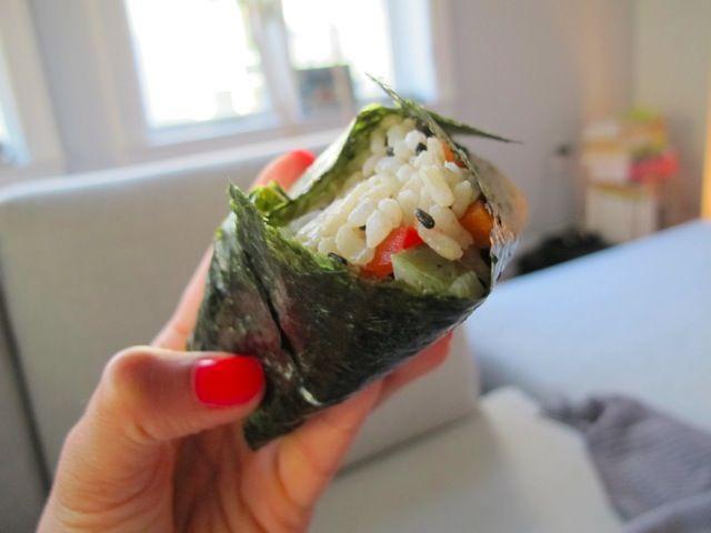 Onigiri-make at home using nori kit