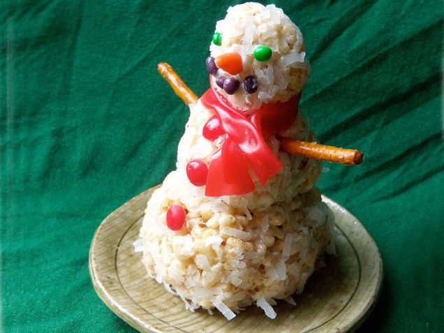 Coconut Rice Krispie Snowmen. So cute! http://www.ivillage.com/holiday ...