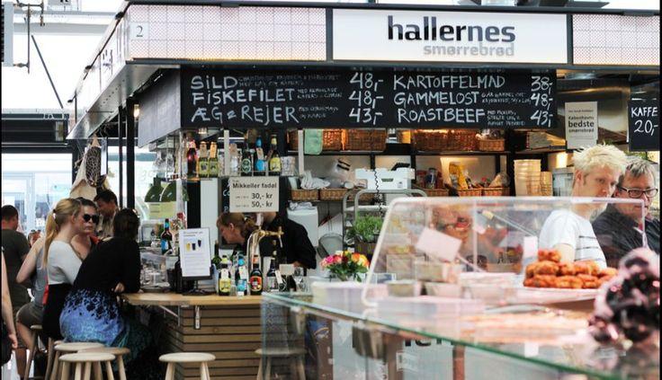8. El mercado Torvehallerne, en Copenhague, Dinamarca, se ha convertido en poco tiempo en uno de los locales de moda de la ciudad. Es perfecto para ir por unos bocaditos célebres, como el sánguche de pato confitado que se vende en el puesto Ma Poule.