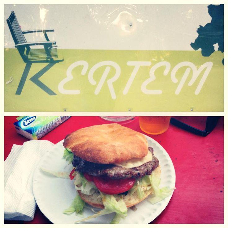 "Kertem | ""Balkán Burger"" - 1250 HUF | Burger: 3/10 | Hely: 6/10 ..."