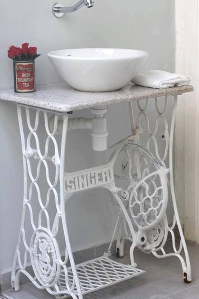 Pin by hammack 39 s wood n cloth crafts on vintage sewing machines pin - Four ways to repurpose an old sewing machine ...