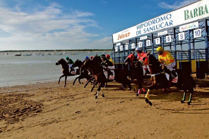 Recordando las carreras de caballos en la playa de Sanlucar de Barrameda en Cadiz. Ya queda menos para Agosto
