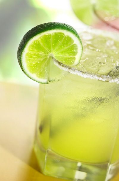 Skinny Margaritas - Perfect #SuperBowl Cocktail!