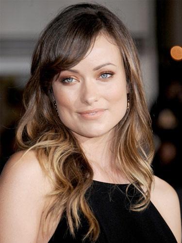 kare yüz şekline göre saç modelleri  http://www.yenisacmodelleri.com/kare-yuz-sekline-gore-sac-modelleri.html