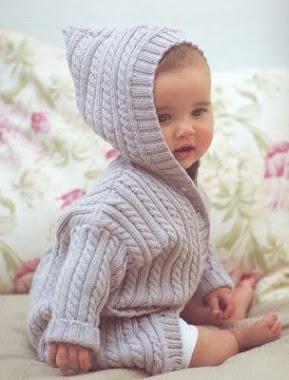 Детский костюм до года вязанный спицами