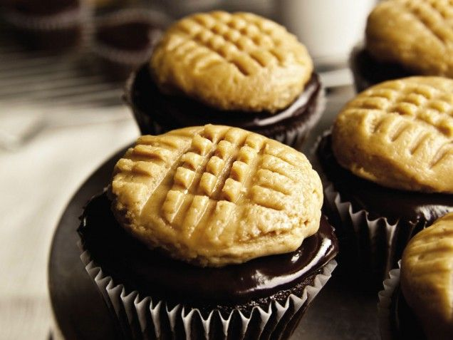 Chocolate Cupcakes with Peanut Butter Cookie Frosting   Recipe