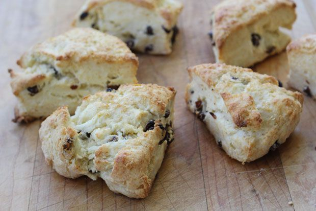 Currant Cream Scones for Downton Abbey | sweet tea time | Pinterest