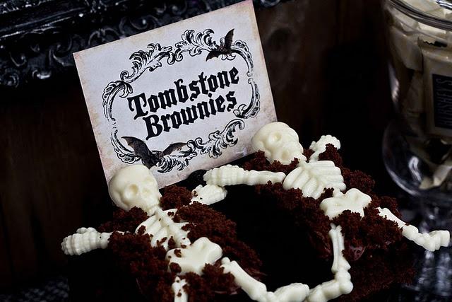 tombstone brownies | Halloween party | Pinterest