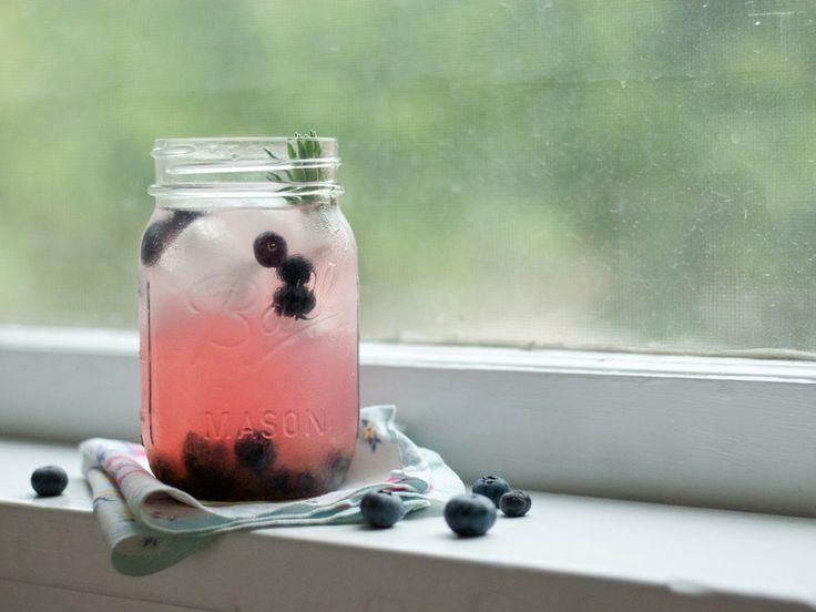 Blueberry Lavender Hard Lemonade | Elegant bites | Pinterest
