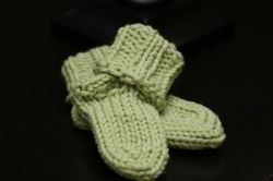 rostitchery: toe up sock on the knifty knitter