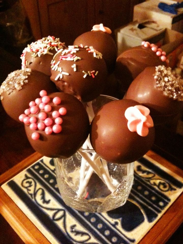 Vanilla cake pops | Cakes, biscuits & sweet things | Pinterest