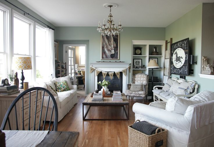 Living Room {Before and After} | Jeanne Oliver