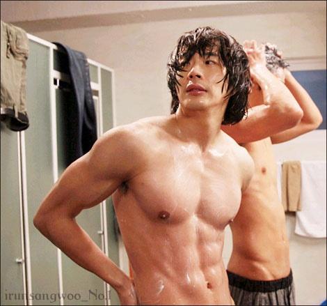 Kwon Sang-Woo (권상�...