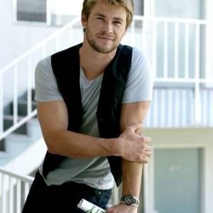 Chris Hemsworth | save...