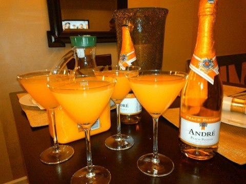Peach mimosas! | Feasting! | Pinterest