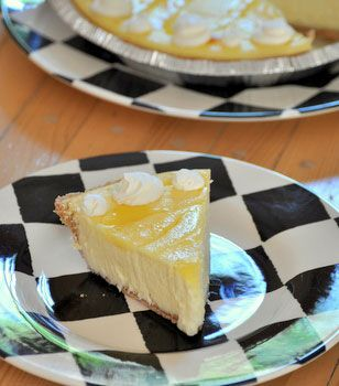 PIE: A delicious creamy pie for any lemon lover #Lemon #CreamCheese ...