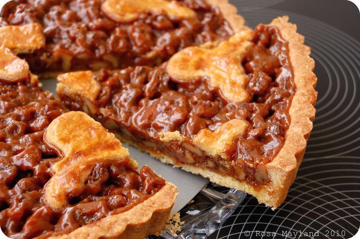 walnut slice caramel walnut pie with dried cherries caramel walnut pie ...