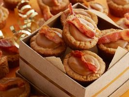 OMG: Peanut Butter, Honey, Banana Chip Cookie Cups with Bacon?! Must ...