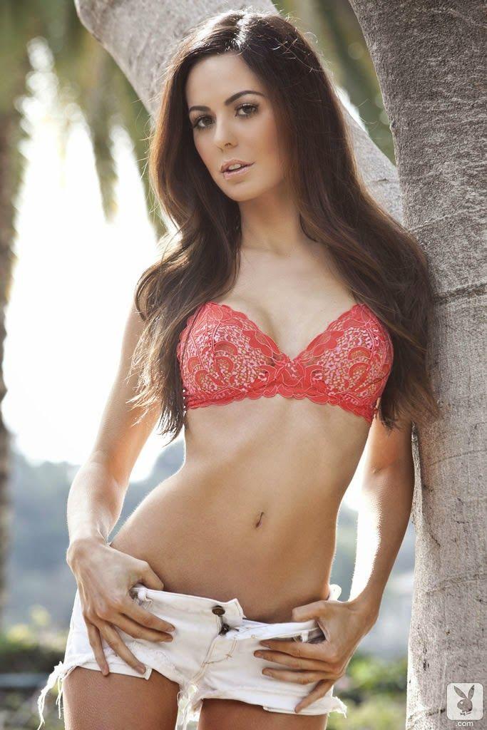 Audrey Nicole Undressed To Impress