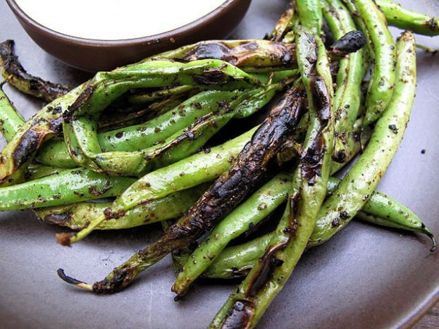 Blackened Green Beans with Red Pepper Dipping Sauce (use Veganaise ...