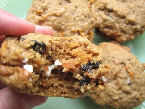 Recipe for Carrot Cake Sandwich Cookies with Cream Cheese Filling. I ...