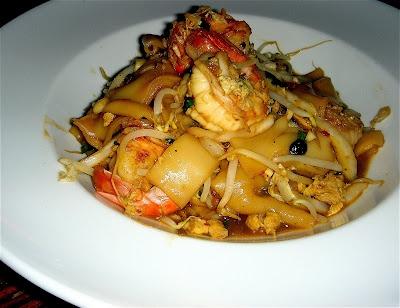 Rad Na Thai shrimp (fresh rice noodles!)