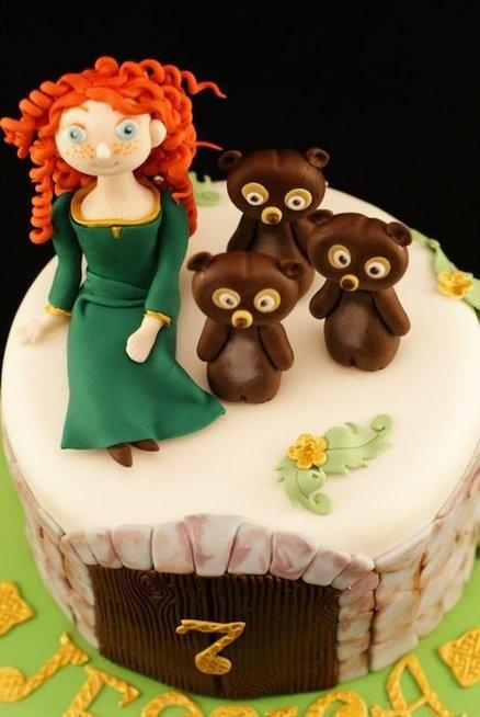 'Brave' cake  Cake by CandytuftKathryn