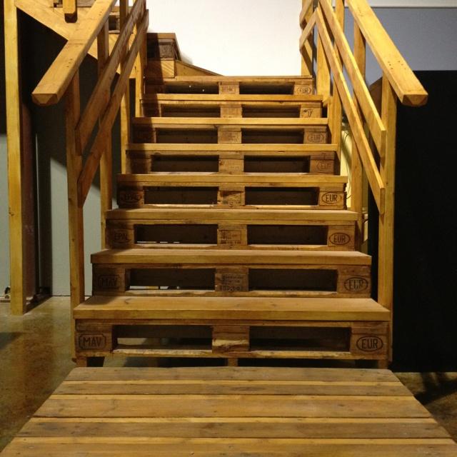pallet stairs designnn pinterest