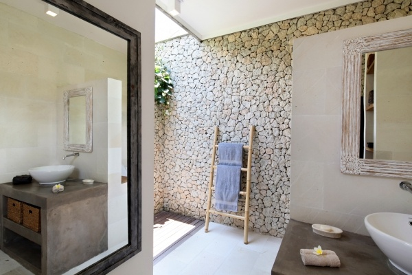 Bali bathroom bathrooms pinterest for Balinese bathroom design