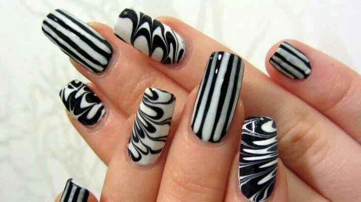 Black n white | Nail designs