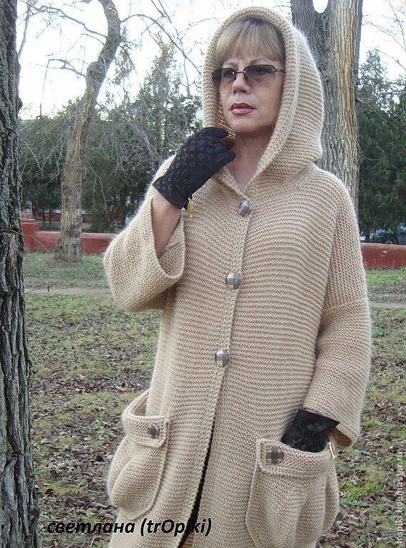 Вязанные пальто с капюшоном спицами