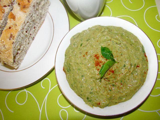 Creamy Basil Pesto | Parties & Picnic Foods | Pinterest
