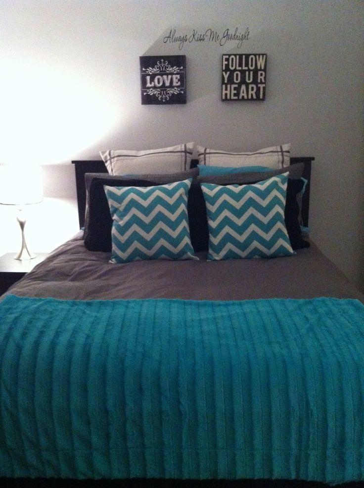 Light teal grey bedroom - photo#10