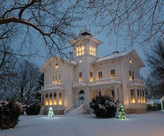 Pretty Victorian House In Winter Houses Pinterest