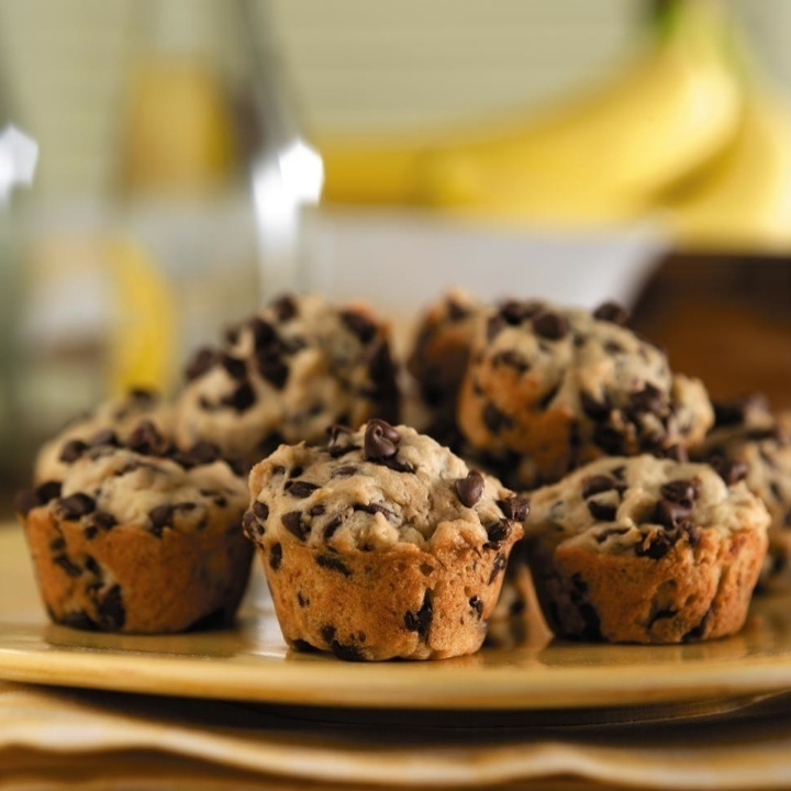 Banana Mini-Chip Muffins | Food | Pinterest