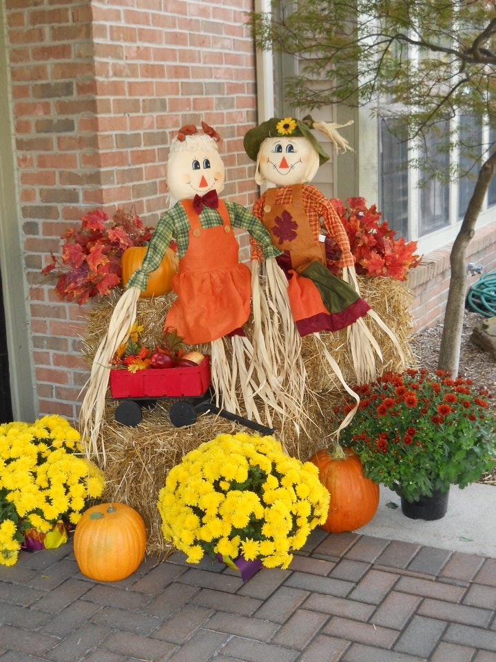 Fabulous fall outdoor decor for home pinterest for Fall decorations for outside the home