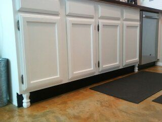 Faux legs on kitchen cabinets diy need to do pinterest for Kitchen cabinets with legs