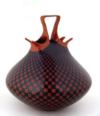 Gorgeous vase by Olga Quezada #trendandtradition