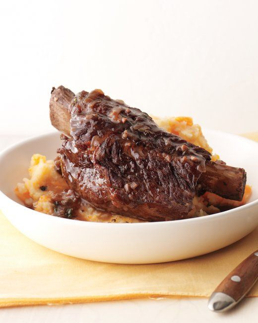 Pressure cooker Beef Short Ribs with Potato-Carrot Mash