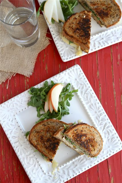 Grilled Cheese Sandwich Recipe with Brie, Pear & Hazelnuts by ...
