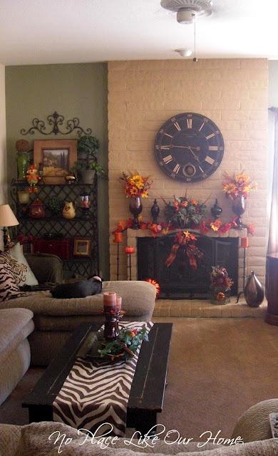 Cute Fall Living Room #decor #decorating #fall #autumn #interiordesign