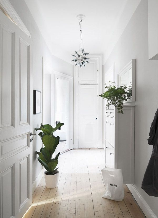 Mobili Moderni Per Corridoio: Idee per arredare l ingresso dress your ...