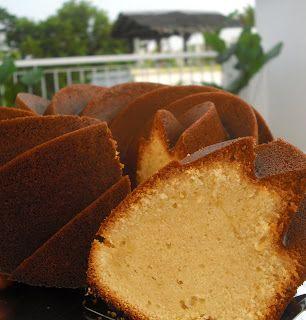 Bisous À Toi: Elvis Presley's Favorite Pound Cake