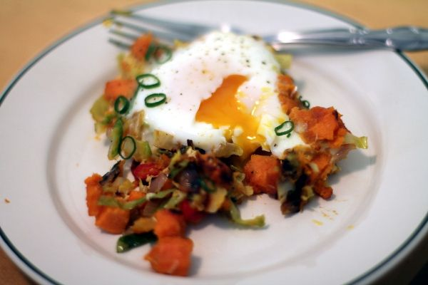 Sunday Brunching: Sweet Potato and Brussels Sprout Hash