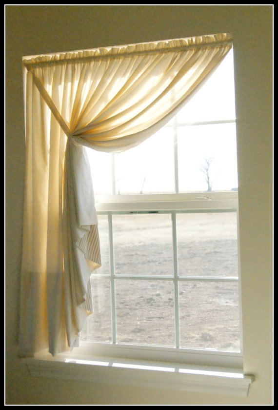 Easy diy pattern tutorial for muslin swag curtain for Simple curtain patterns