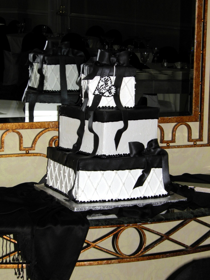 Black and White Square Wedding Cake | Stuff to Try | Pinterest