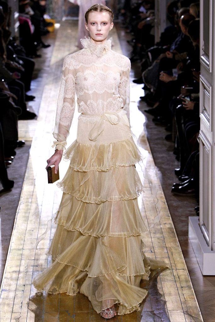 valentino fashion brand